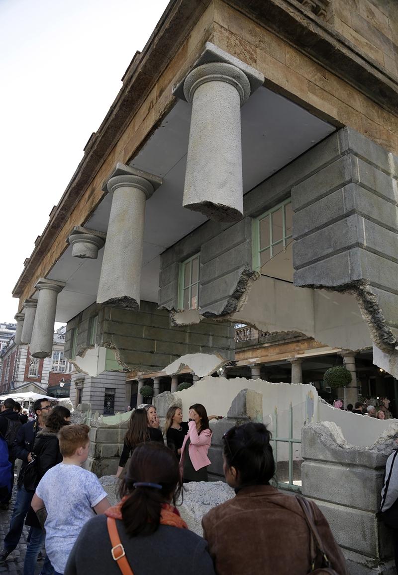 """Londra'da """"havada duran bina"""" 7"""