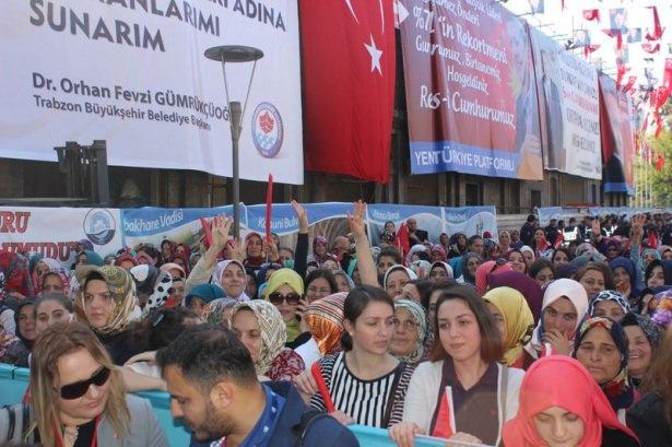 Cumhurbaşkanı'na Trabzon'da sevgi seli 19
