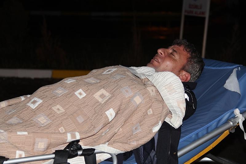 Sivas'ta polis otobüsü devrildi: 3 şehit 16