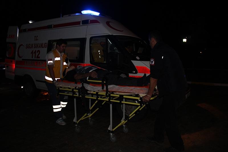 Sivas'ta polis otobüsü devrildi: 3 şehit 23