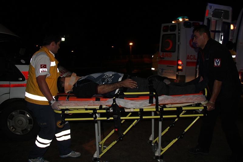 Sivas'ta polis otobüsü devrildi: 3 şehit 24