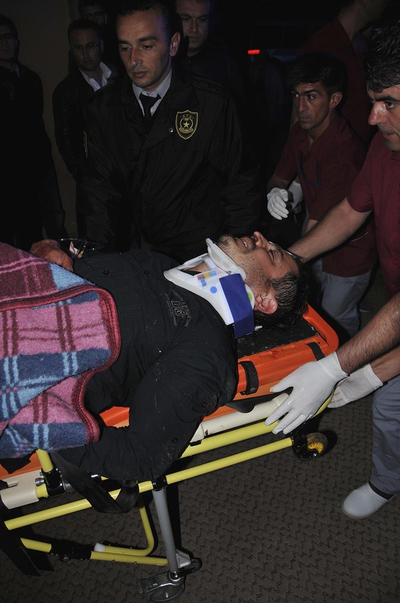 Sivas'ta polis otobüsü devrildi: 3 şehit 25