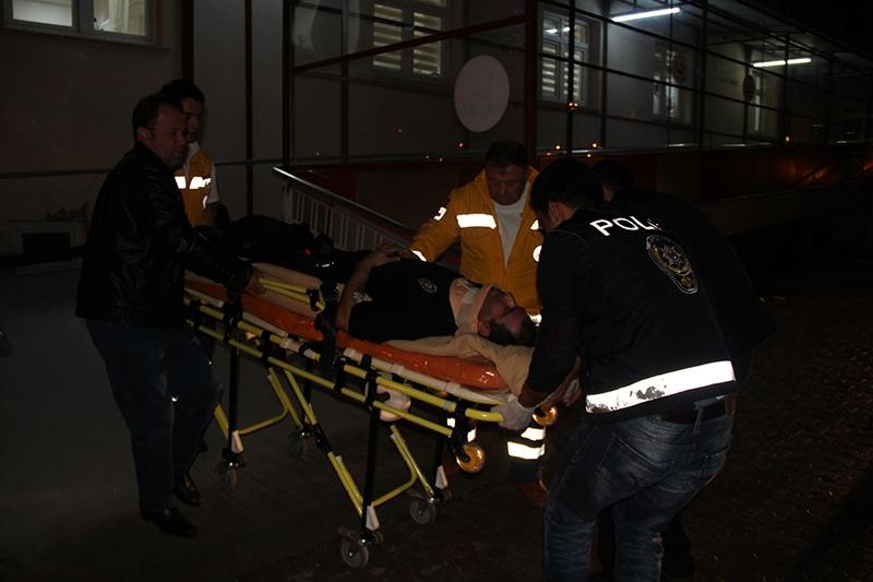Sivas'ta polis otobüsü devrildi: 3 şehit 3