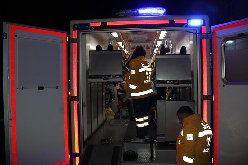 Sivas'ta polis otobüsü devrildi: 3 şehit 5