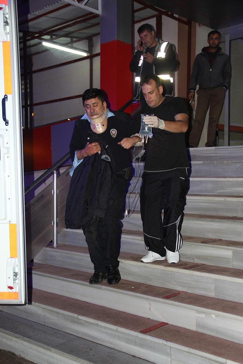 Sivas'ta polis otobüsü devrildi: 3 şehit 6