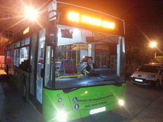 İçi yolcu dolu otobüse taşlı saldırı 2