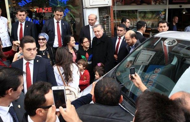 Erdoğan, oğlu ve torunuyla market alışverişinde 5
