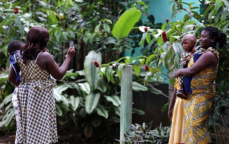 Fildişi kadını yokluklara rağmen hayata dört elle sarılıyor 20