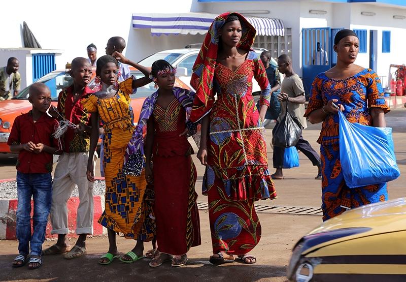 Fildişi kadını yokluklara rağmen hayata dört elle sarılıyor 36