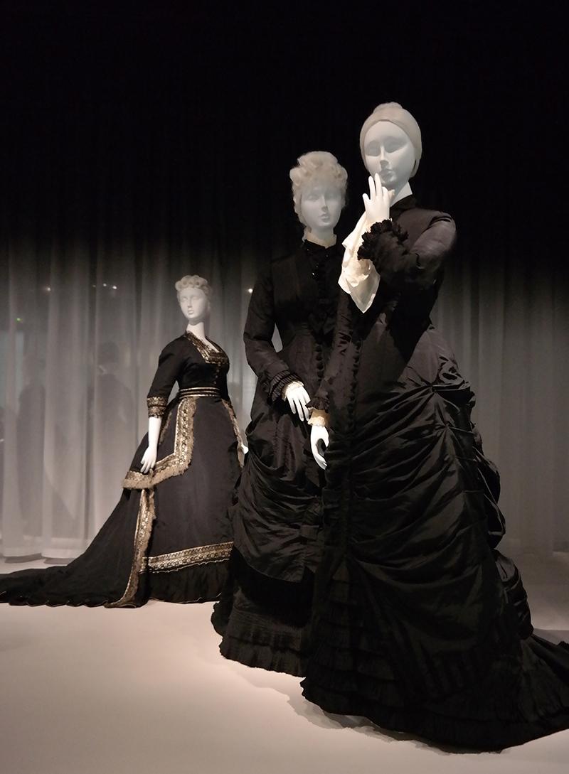 New York'ta matem kıyafetleri sergisi 5