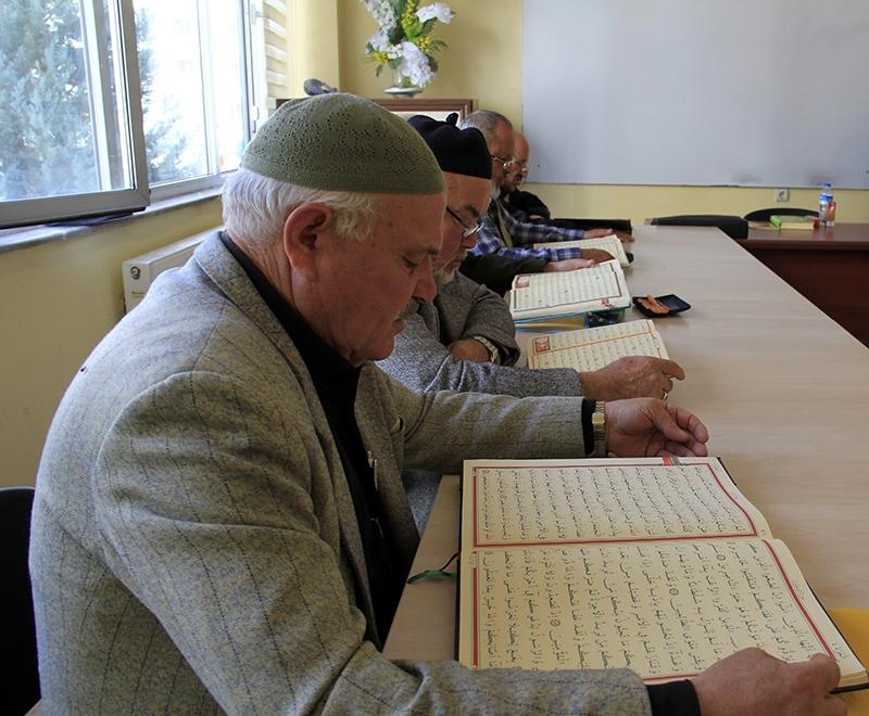 Hacdan dönüp Kur'an kursuna gidiyorlar 17