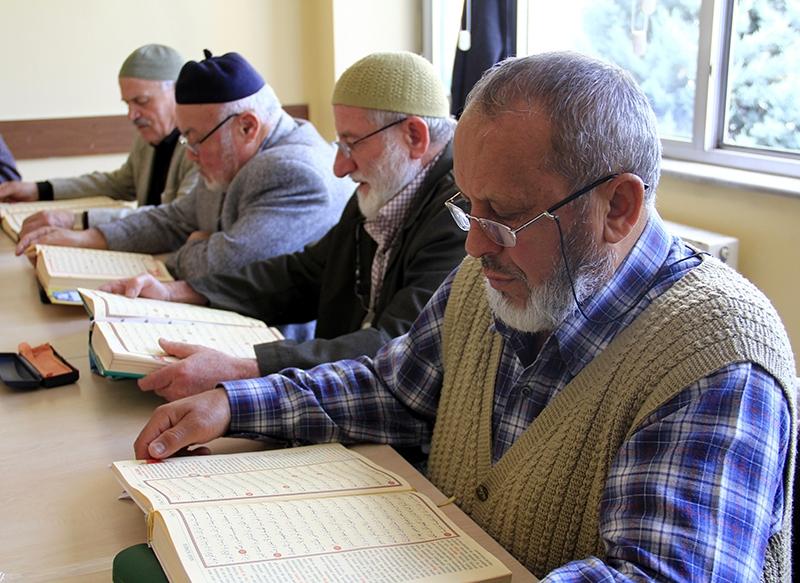 Hacdan dönüp Kur'an kursuna gidiyorlar 20