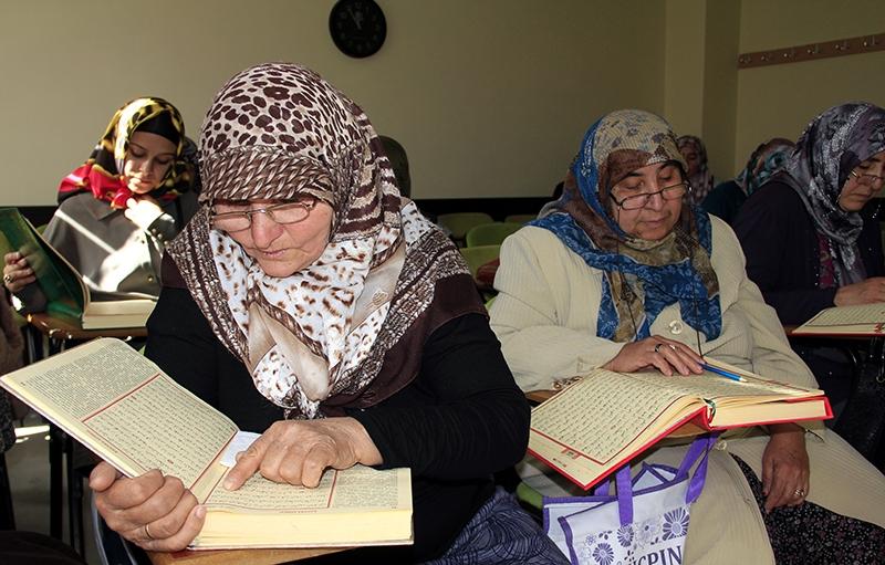 Hacdan dönüp Kur'an kursuna gidiyorlar 3