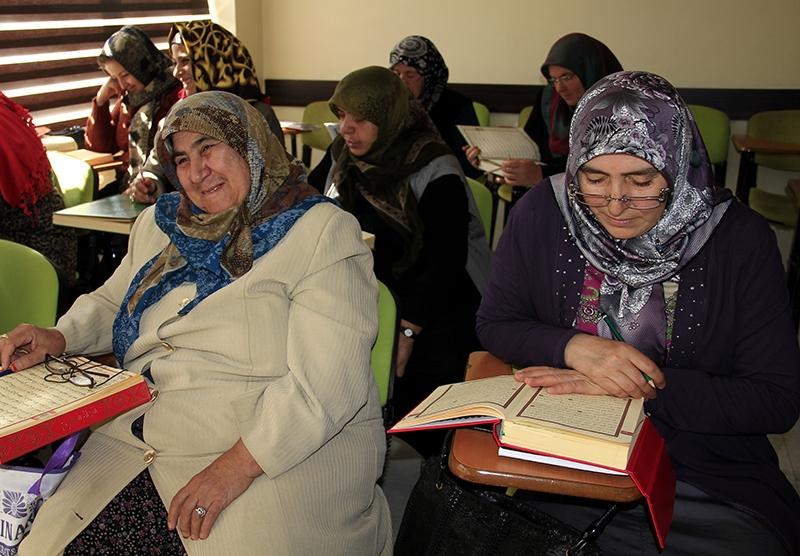 Hacdan dönüp Kur'an kursuna gidiyorlar 7