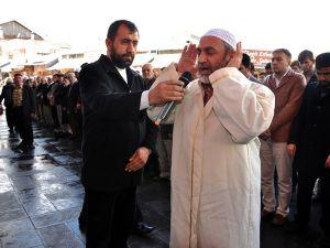 Ğulam Azzam için gıyabi cenaze namazı kılındı