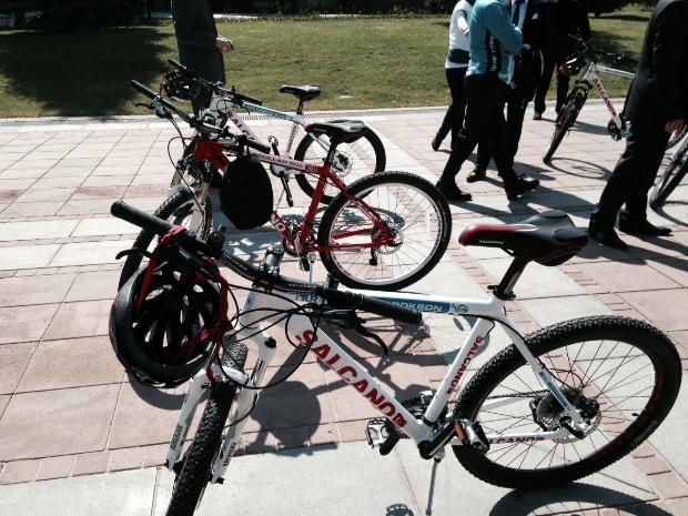 Cumhurbaşkanı Abdullah Gül bisiklete bindi 15