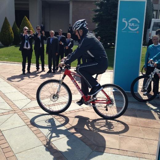 Cumhurbaşkanı Abdullah Gül bisiklete bindi 6