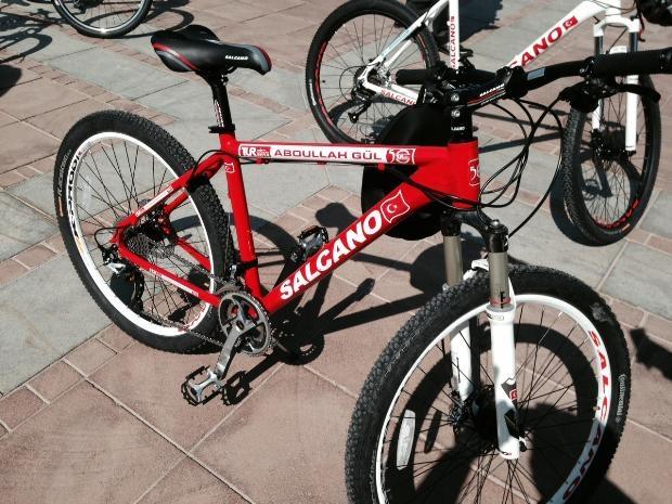Cumhurbaşkanı Abdullah Gül bisiklete bindi 8
