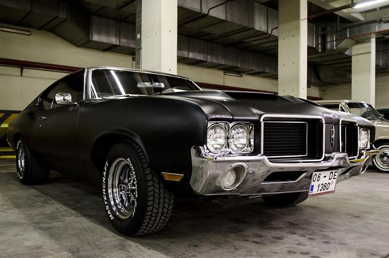 Klasik Amerikan ve İtalyan otomobilleri bir arada 14