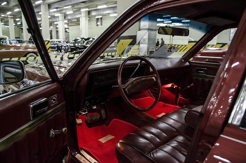 Klasik Amerikan ve İtalyan otomobilleri bir arada 15