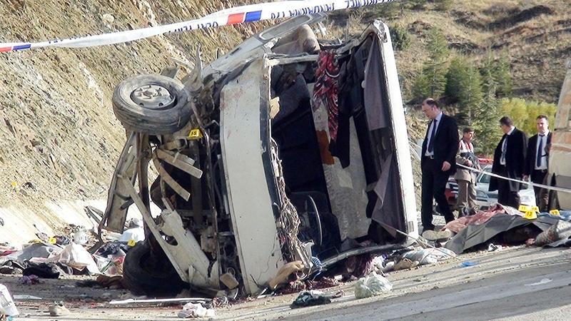 Feci kazada 16 ölü 16