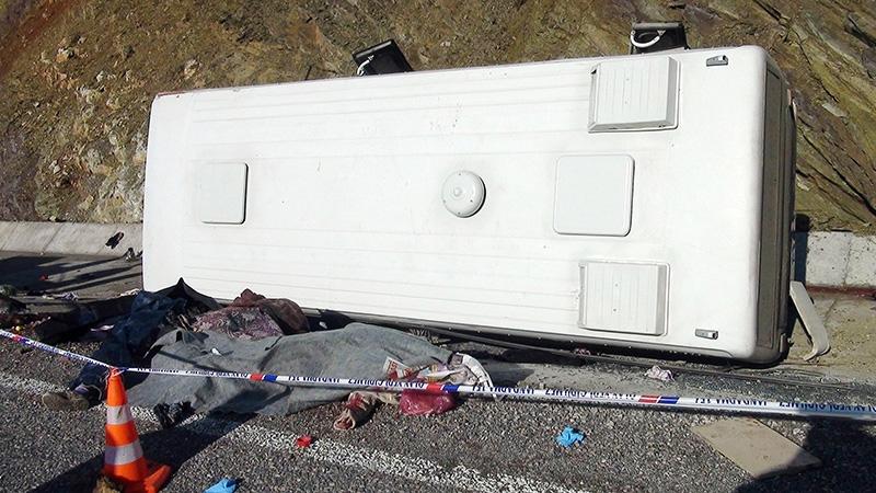 Feci kazada 16 ölü 3