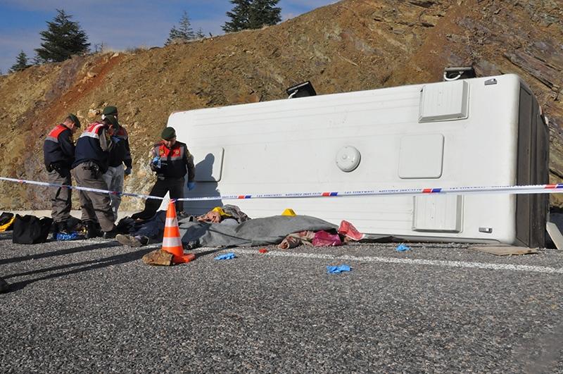 Feci kazada 16 ölü 30