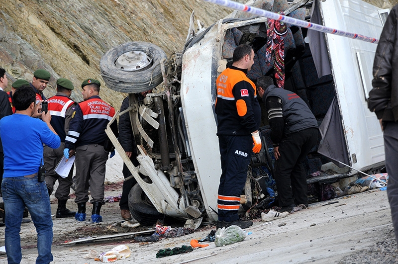 Feci kazada 16 ölü 37