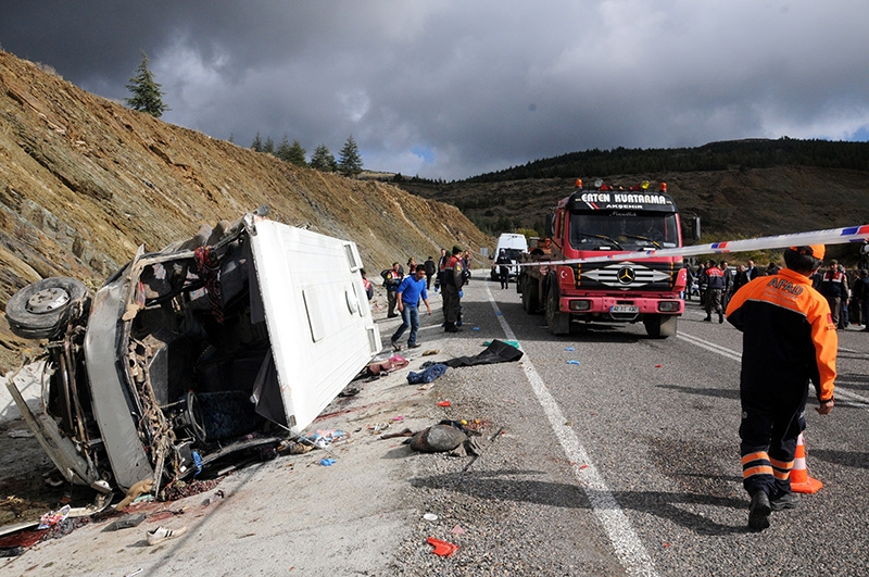 Feci kazada 16 ölü 39