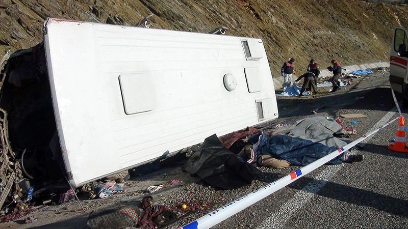 Feci kazada 16 ölü 4
