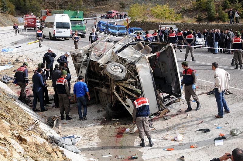 Feci kazada 16 ölü 40