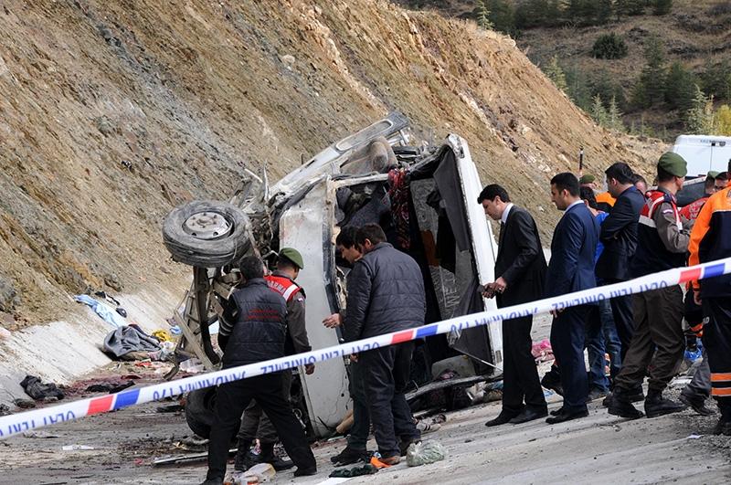 Feci kazada 16 ölü 42