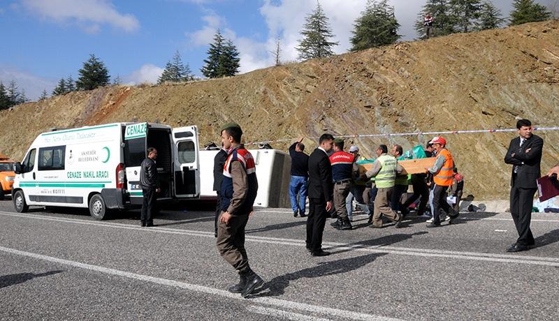 Feci kazada 16 ölü 43