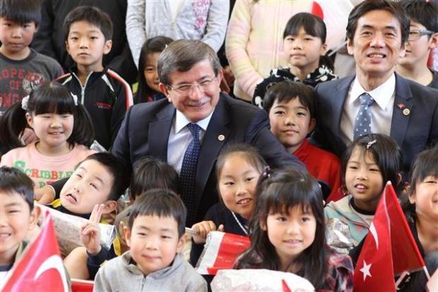 Dışişleri Bakanı Davutoğlu Japonya'da 12