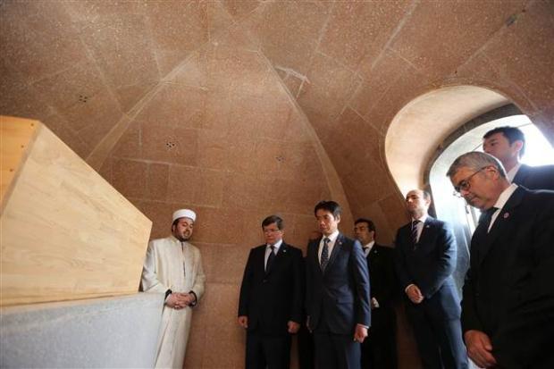 Dışişleri Bakanı Davutoğlu Japonya'da 6