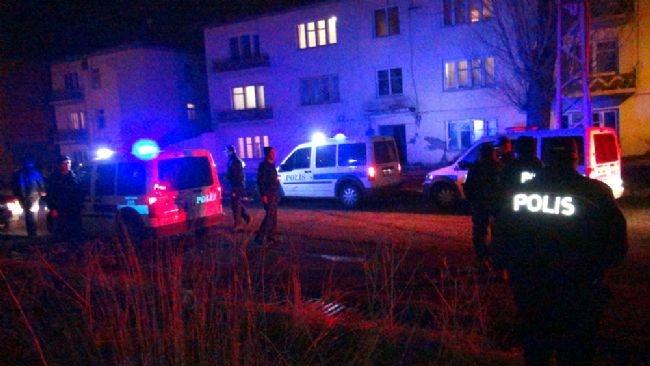 Kars'da ihbar yağdı, polis gece boyu baskın yaptı 16