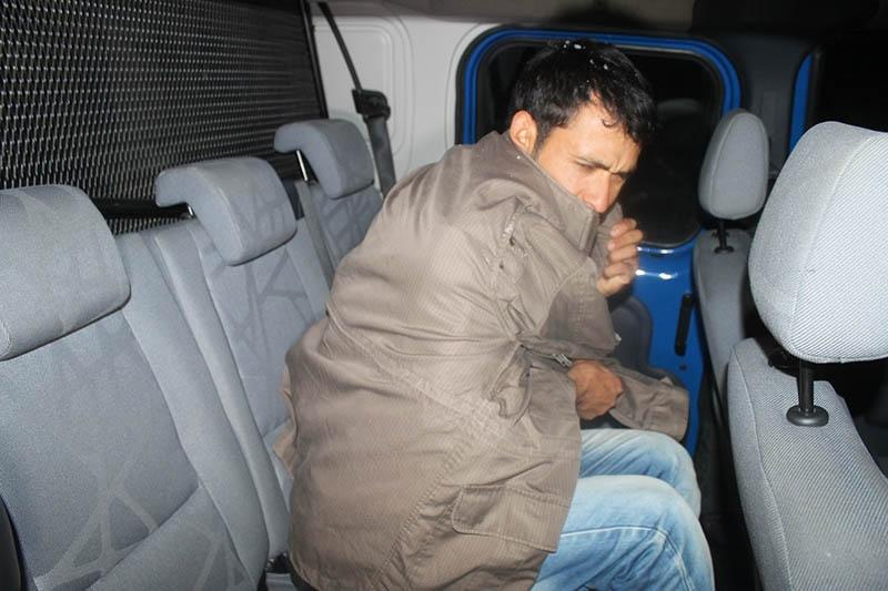 Yaylada mahsur kalan besici kurtarıldı 4