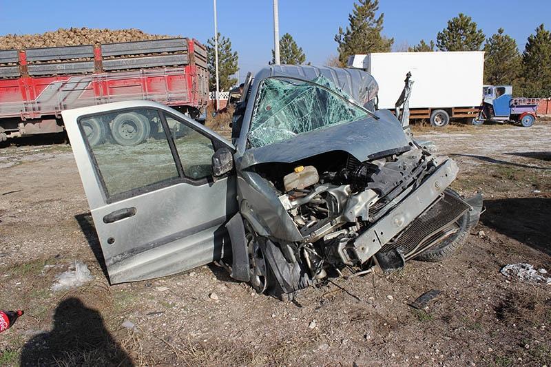 Konya'da trafik kazası: 1 ölü, 3 yaralı 5