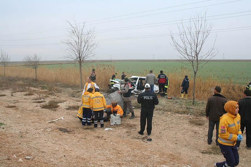 Sulama kanalına devrilen otomobilin sürücüsü öldü 5
