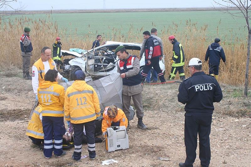 Sulama kanalına devrilen otomobilin sürücüsü öldü 6