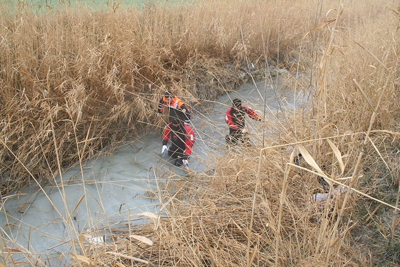 Sulama kanalına devrilen otomobilin sürücüsü öldü 9