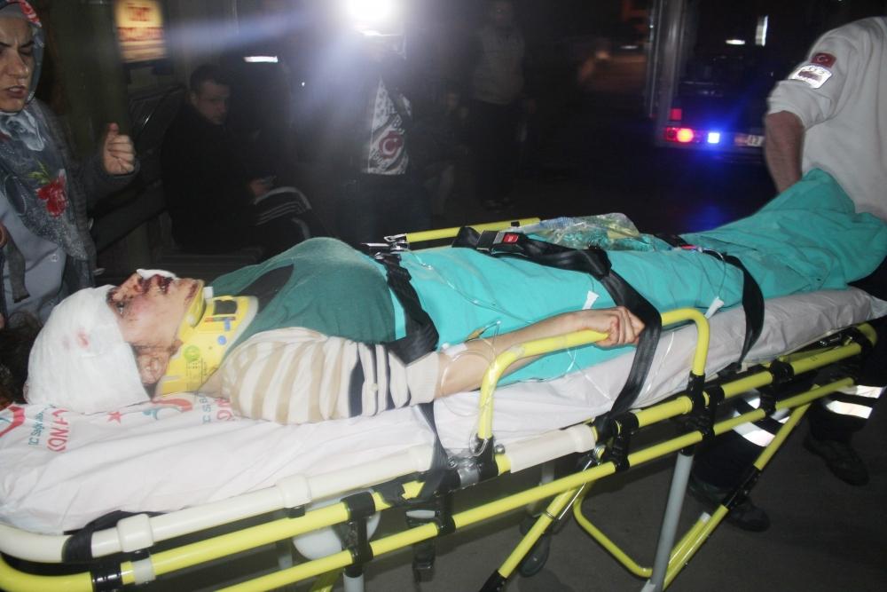 Konya'da tırla otomobil çarpıştı: 6 yaralı 1