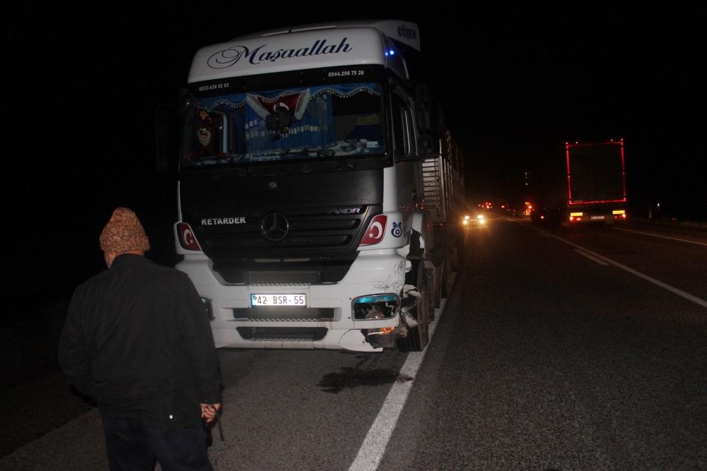 Konya'da tırla otomobil çarpıştı: 6 yaralı 3