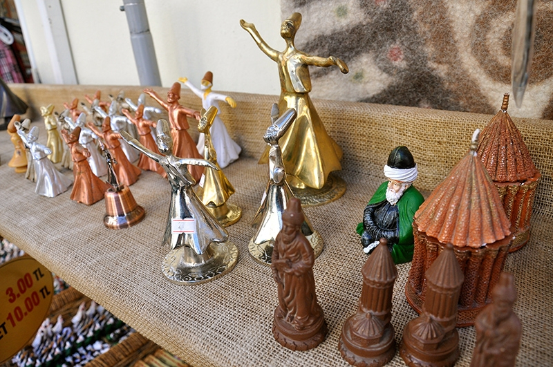 Şeb-i Arus'un gözde hediyesi mumla dönen semazen 8