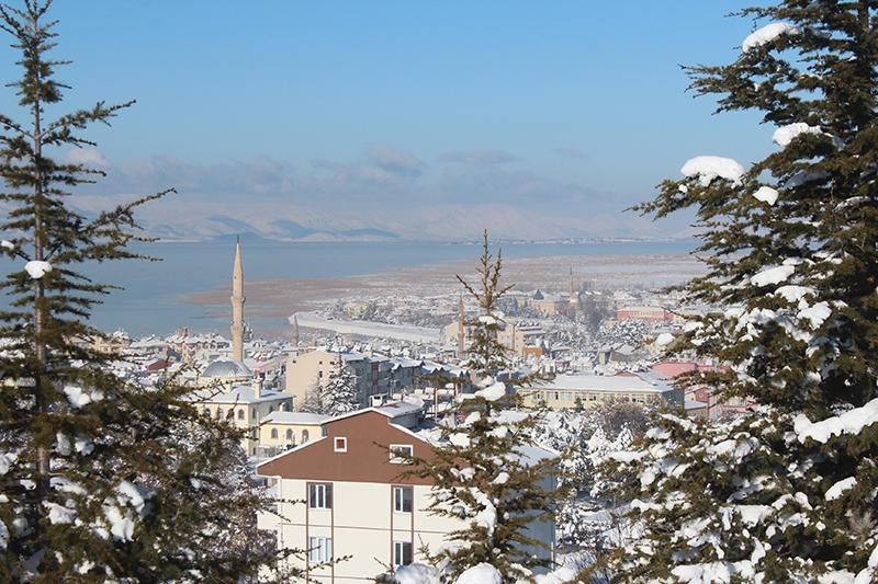 Beyşehir Gölü kıyıları buz tuttu 7