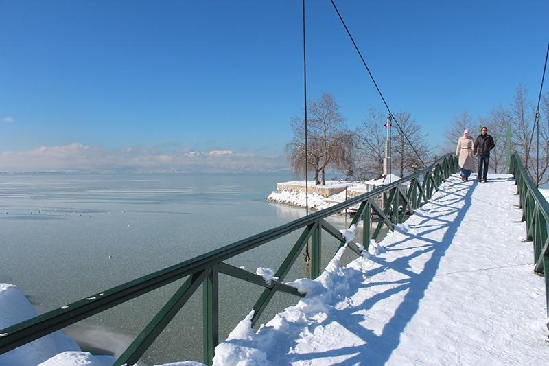 Beyşehir Gölü kıyıları buz tuttu 9