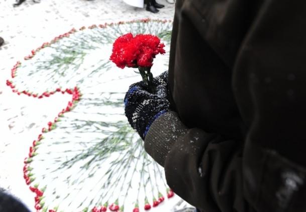 Paris'teki saldırı hayatını kaybedenler anıldı 10