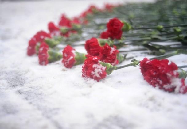 Paris'teki saldırı hayatını kaybedenler anıldı 13