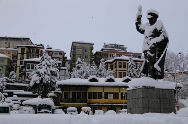 Yurtta kar yağışı ve soğuk etkili oluyor 13