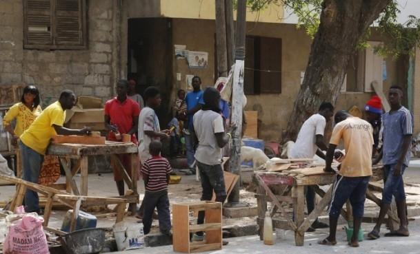 Dakar'ın sokak mobilyacıları 1